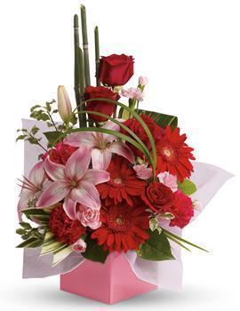 Image of Artistic Expression - Flower Arrangement