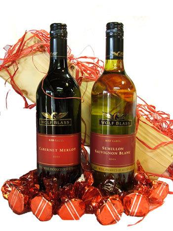 Image of The Red Wolf - Red & White Wine Gift Hamper